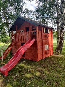 Žaidimų aikštelė – namelis – supynės